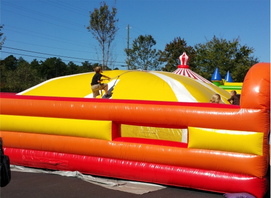 Race to the Top Inflatable Interactive Rental